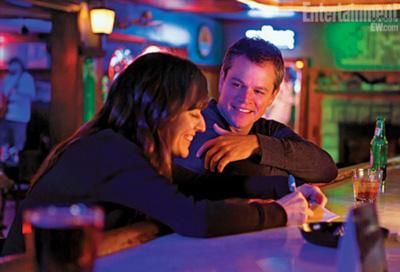 Matt Damon e Rosemarie De Witt in PROMISED LAND