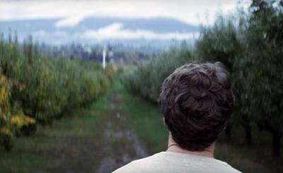 Una scena di C.O.G., di Kyle Alvarez, da un racconto di David Sedaris