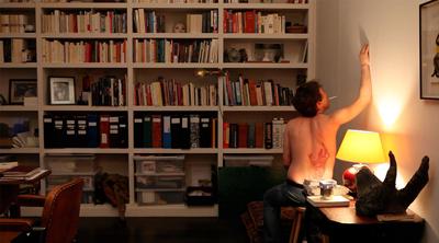 Il regista Bertrand Bonello in LE DOS ROUGE