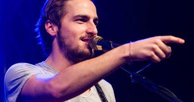 Kendall Schmidt e gli Heffron Drive in concerto