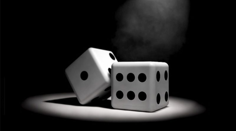 Chiara Appendino e l'assessore al Commercio Alberto Sacco hanno presentato oggi un'ordinanza per limitare il gioco d'azzardo a Torino.