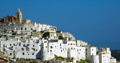 """Puglia, una scoperta tutto l'anno. Convegno nell'ambito della manifestazione """"All Routes Lead To Rome - Tutti gli itinerari portano a Roma""""."""