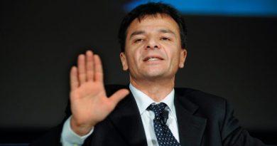 Piano partecipate, Luci e ombre. Sindaca lavori a Patto per Roma. Nota Stefano Fassina, deputato di Si e consigliere di Sinistra per Roma.