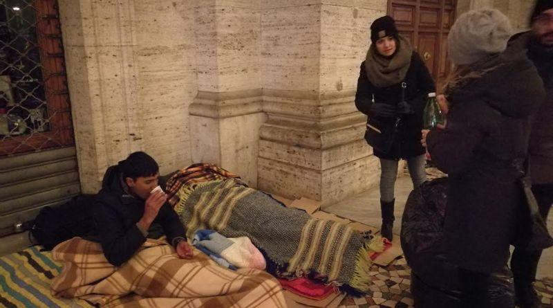 Piano freddo a Roma qualcosa si muove, ma in netto ritardo. Ecoitaliasolidale e protezione civile Arvalia oggi proseguono raccolta e distribuzione coperte.