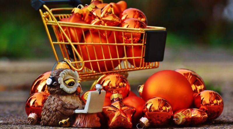 Santa Claus diventa sempre più digitale: l'acquisto corre sul Web. Il Natale digitale e lo shopping online