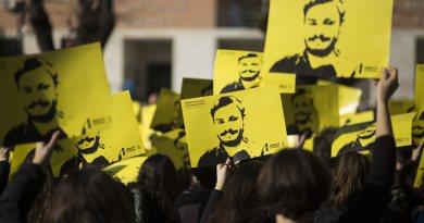Il 25 gennaio 2016 veniva rapito Giulio Regeni, e per questa occasione Amnesty international organizza una manifestazione in molte piazze italiane.