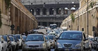 Da domani mercoledì 3 a venerdì 5 gennaio, dalle ore 7.30 alle ore 20.30, blocco della circolazione per i veicoli più inquinanti all'interno della Fascia Verde.