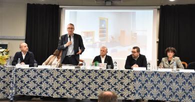 Parte il cantiere per la costruzione della nuova scuola a Caldarola, alla presenza delle istituzioni locali e dei cittadini.