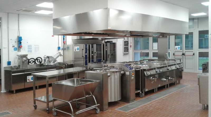 Sono state inaugurate all'Ospedale Carlo Urbani di Jesi la cucina e la mensa per i dipendenti, rendendo così la struttura operativa.