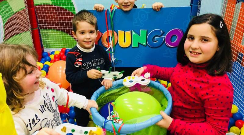 YOUNGO festeggia la festa più colorata dell'anno con una staffetta di solidarietà dei bambini per i bambini: coriandolo sospeso! Chi ha più maschere e giocattoli li doni ai bimbi ricoverati.