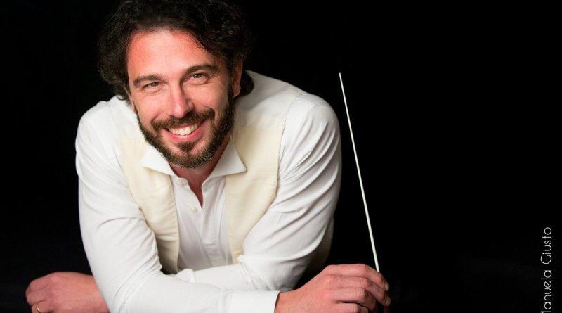 Stasera, alle 21 al Teatro Lauro Rossi verrà eseguito per la prima volta il jingle del Macerata Opera Festival 2018, con Francesco Lanzillotta e la FORM.