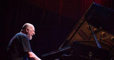 Geoff Westley, direttore musicale del Festival di Sanremo 2019, a marzo uscirà con il suo nuovo disco di piano solo, e a seguire inizierà il suo tour.