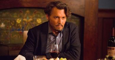 Torna nelle sale cinematografiche il 20 giugno Johnny Depp, con una lezione fuori dagli schemi in Arrivederci Professore, distribuito da Notorious Pictures.