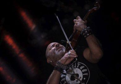 Alessandro Quarta presenta il suo nuovo album dal vivo