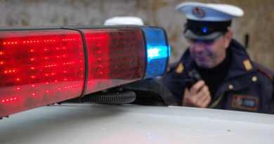 Rivolge coltello contro agenti della Polizia Locale e militari, fermata questa mattina l'aggressore a Piazza del Popolo.
