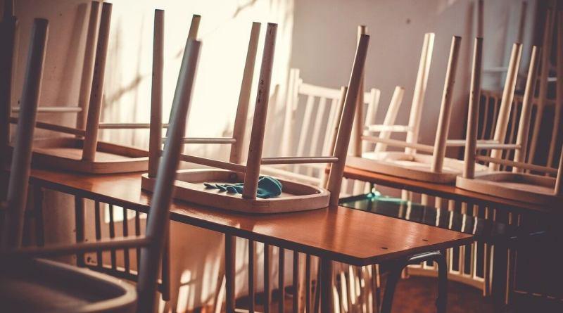 3 mila giovani coinvolti in progetto contro dispersione scolastica. L'assessora Mammì sottolinea l'importanza di intervenire contro la marginalizzazione.