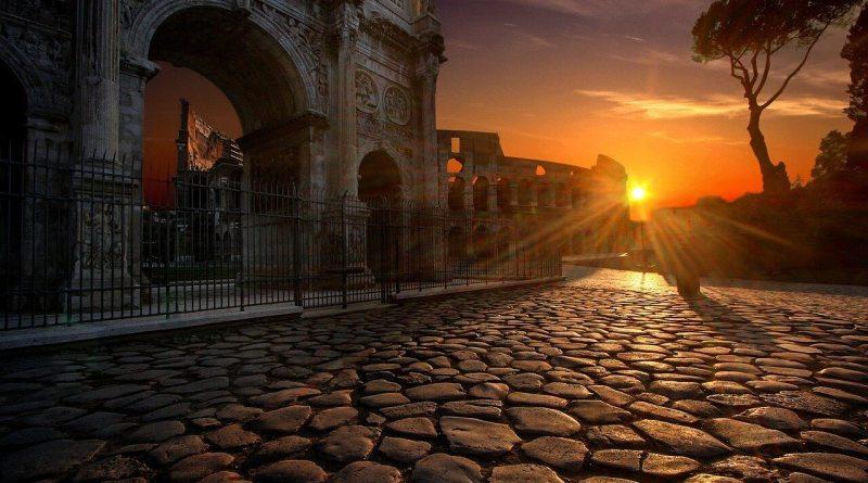 Ti racconto una storia, è il nuovo podcast su WebRadio SenzaBarcode, e il suo debutto poteva essere solo oggi, 21 aprile: buon compleanno Roma.