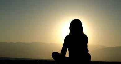 Il termine mindfulness ha assunto oggi un significato ampio, infatti con questa parola ci si riferisce sia ad un approccio innovativo della moderna