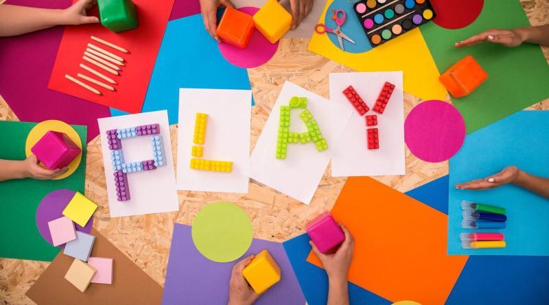 La Neuropsicomotricità è indicata nei bambini per migliorare la postura, l'equilibrio e il benessere, partendo dal gioco condiviso.