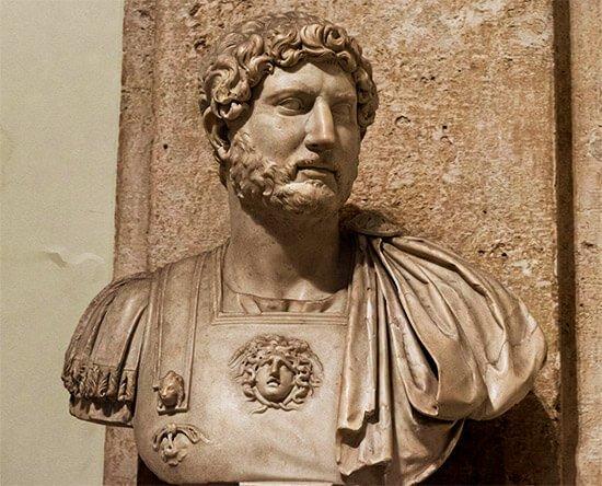 Nasce il 24 agosto del 76, forse ad Italica (Siviglia), secondogenito di un cugino di Traiano, Adriano Afro. Publio Elio Adriano è molto legato...