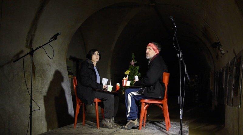 In concorso per Festival Inventaria - La festa del teatro off: Filo d'erba. Erba non è più un luogo come un altro e il cortile di via Diaz è un luogo congelato nel tempo. Intervista a Lorenzo Profita.