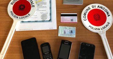 Smantellata base di contraffazione di patenti di guida. Operava a livello internazionale, I Gruppo Prati della Polizia Locale di Roma Capitale, coordinate dalla Procura della Repubblica di Roma.