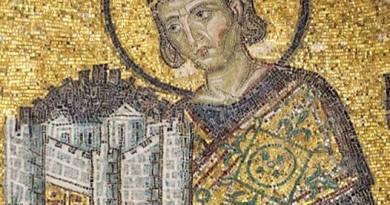 Flavio Valerio Aurelio Costantino nasce a Naisso, odierna città di Nis, in Serbia, fra il 271 ed il 275; il padre, Costanzo Cloro ...