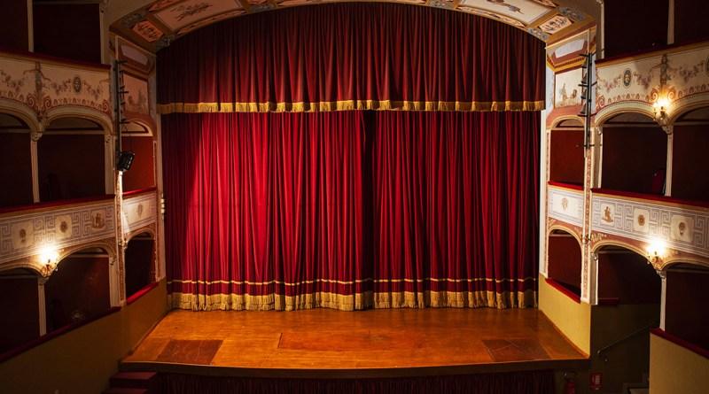 Il Governo fa la cosa giusta se rinvia la decisione di riaprire i luoghi dello spettacolo davanti al nuovo... Patto Arti Perfomative