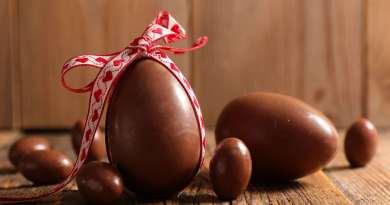 L'uovo, in diverse culture antiche, era visto come simbolo stesso della vita: nella mitologia egizia, ad esempio, il dio Amon