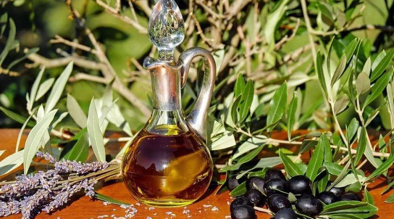 Olio di oliva biologico, come si distingue da quello tradizionale? Ecco la corretta definizione e le caratteristiche di questo prodotto