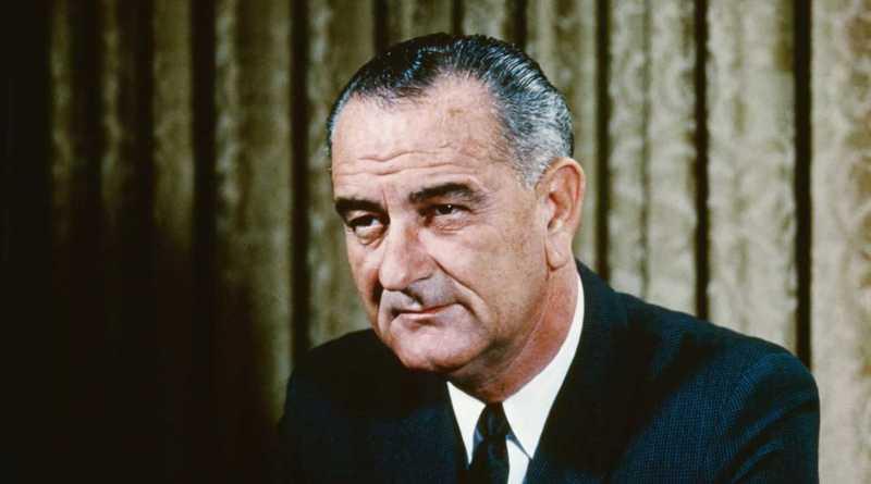 Lyndon Baines Johnson nasce a Stonewall, Texas, il 27 agosto 1908. Dopo aver frequentato le scuole con profitto ed aver svolto ...