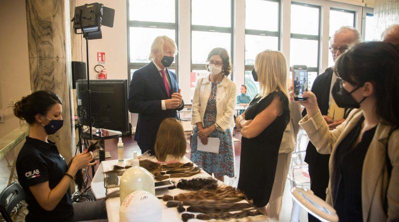 Onco Hair, il progetto che dona i capelli. Il progetto che dona forza. Con il ministro per gli Affari Regionali, Mariastella Gelmini