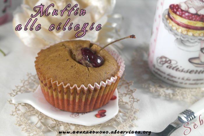Muffin alle ciliegie senza glutine e senza latticini