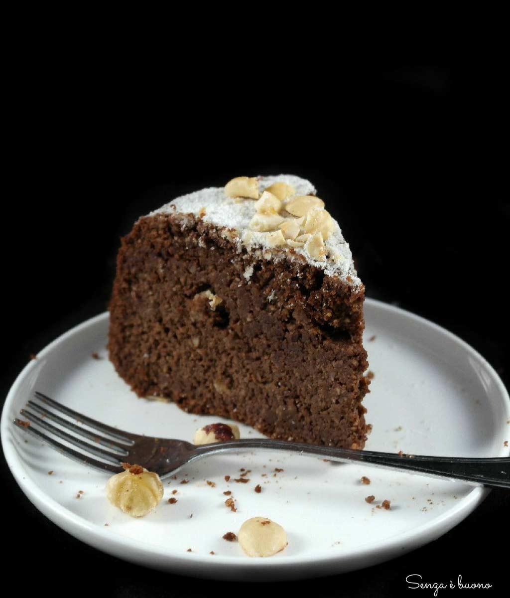 Torta nocciole e cioccolato senza farina e senza latticini