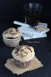 Ricetta muffin al cacao senza glutine senza burro con crema al caffè