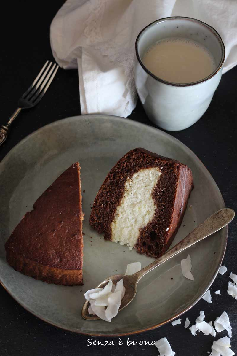 Torta versata senza glutine senza burro