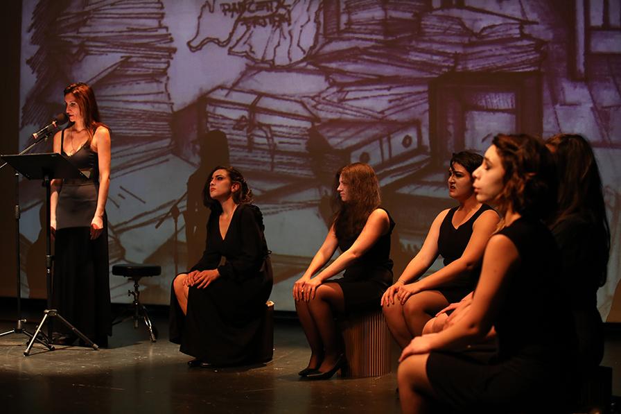 Risultati immagini per Anna Cappelli (CanticOpera) di Annibale Ruccello - Venerdì 26 ottobre 2018, Teatro La giostra di Napoli