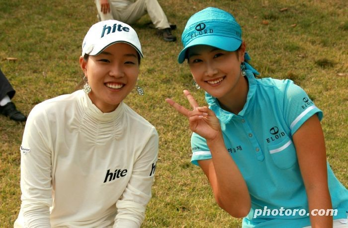 Hee Kyung Seo and Ha Neul Kim at the Anthony Kim Skins Game