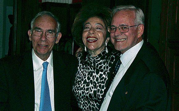 Dr. Joaquín Llorca, Esther Julia y Dr. José Sánchez Artiles