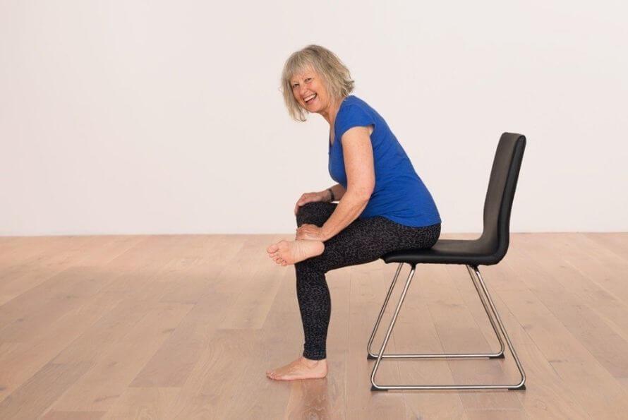 yoga sur chaise senior