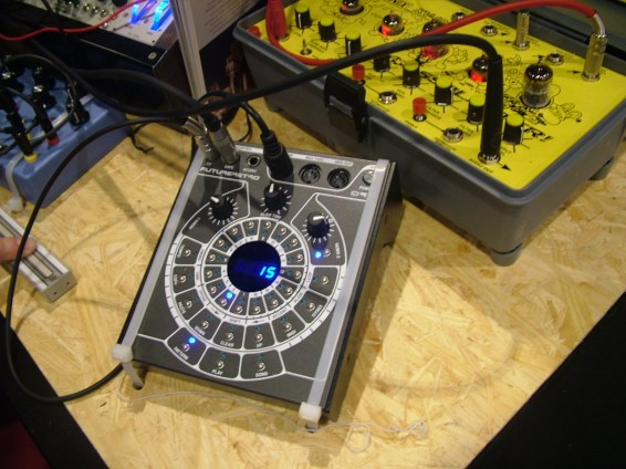 musikmesse09_synmag219