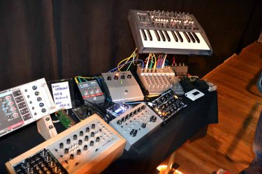 Dinosaurier-Synthmeeting_014