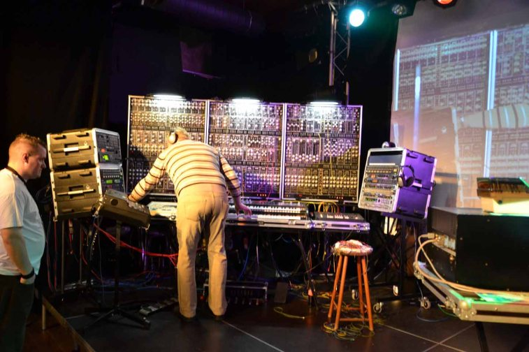 Dinosaurier-Synthmeeting_111