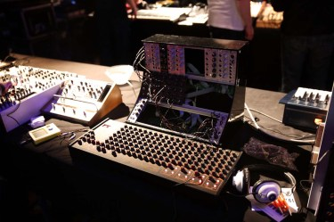Dinosaurier_Synthesizer0010