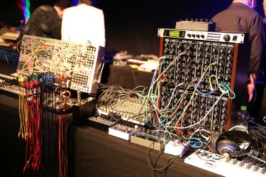 Dinosaurier_Synthesizer0379