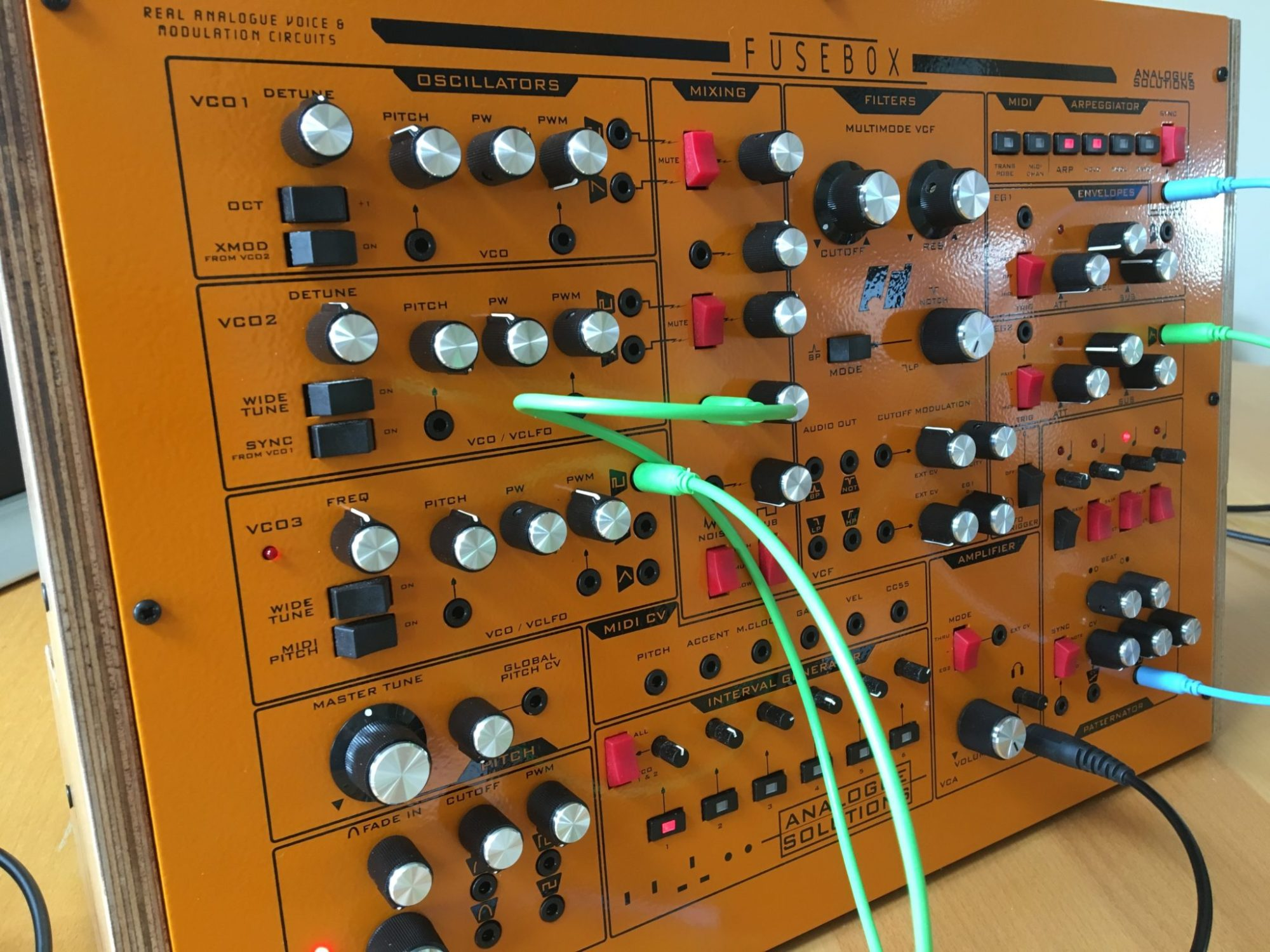 hight resolution of analogue solutions fusebox synthesizer leak