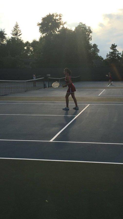 Senior+Elizabeth+Gardner+swings+strong+in+her+final+season.
