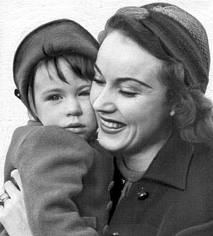 Fay Wray with daughter Susan.