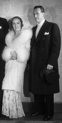 Fay Wray with John Monk Saunders. Beauty and the beast.