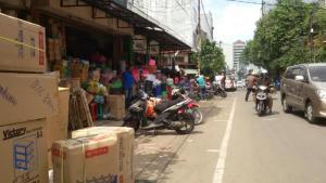 Pasar Barabadan di belakang Pasar Baru Bandung. | Foto serbabandung.com #serbabandung